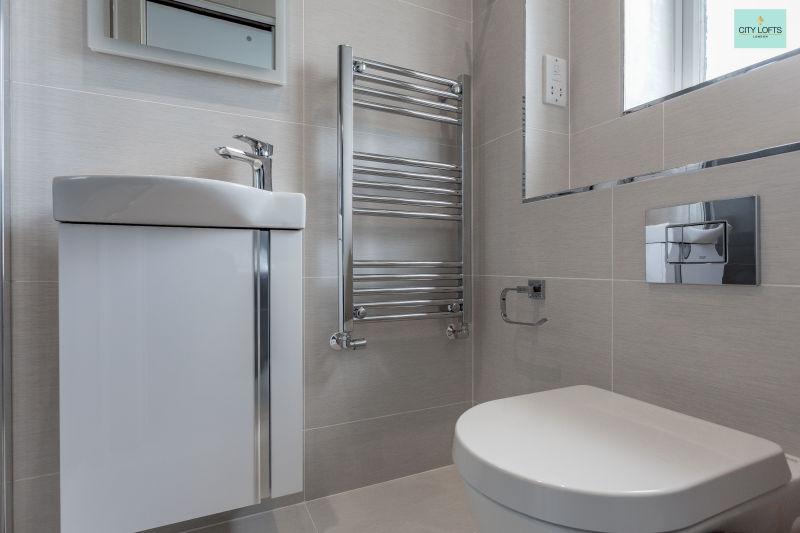 Northwood Hill Bathroom loo view
